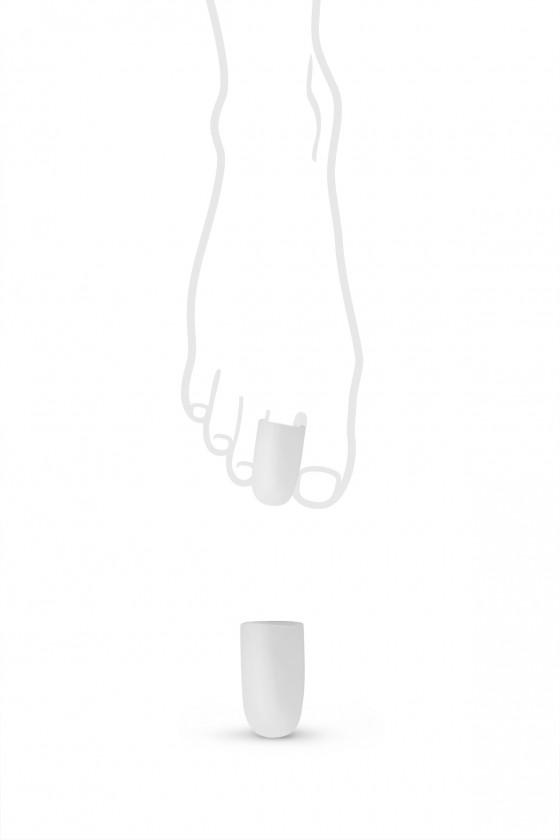 Finger guard-closed